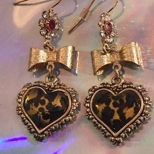 Leopard heart bow earrings Betsey Johnson vintage